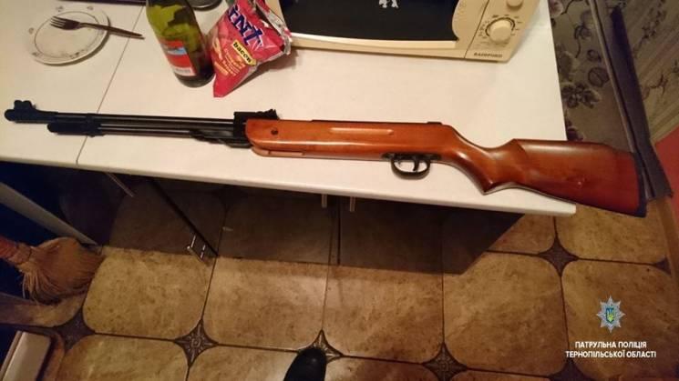Тернополянин в квартире устроил стрельбу…