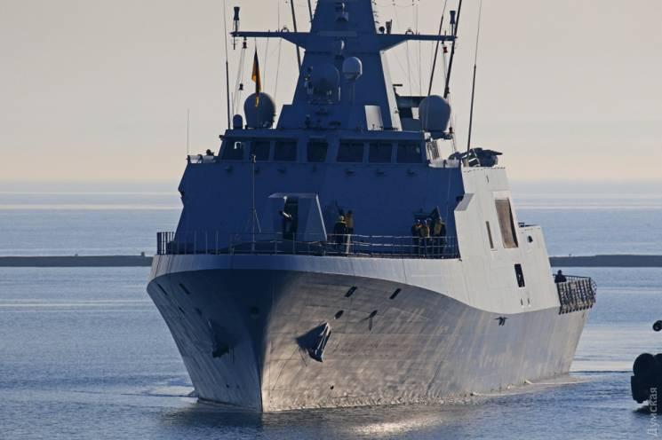 Впорт Одессы зашли турецкие военные корабли