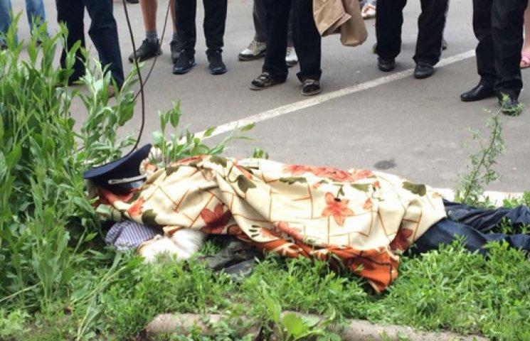 В Мариуполе мертвецам отрезают уши и выкалывают глаза