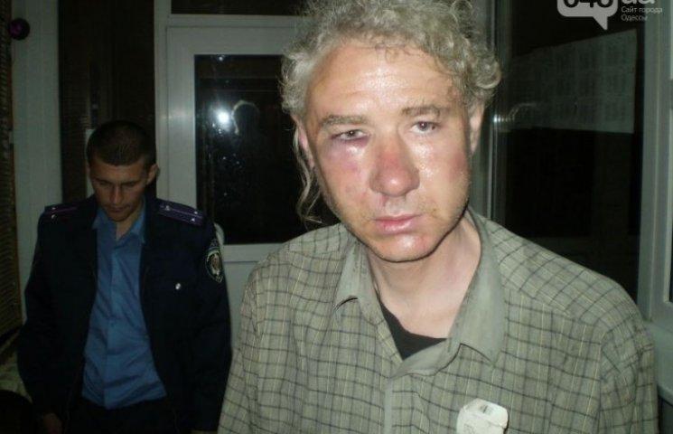 За нелюбовь к Путину на Одесчине избили журналиста и сожгли ему квартиру