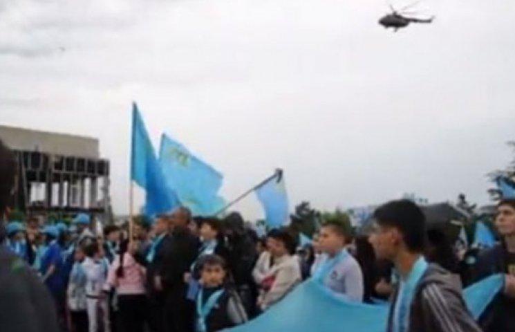 В Крыму митинги татар глушат вертолетами