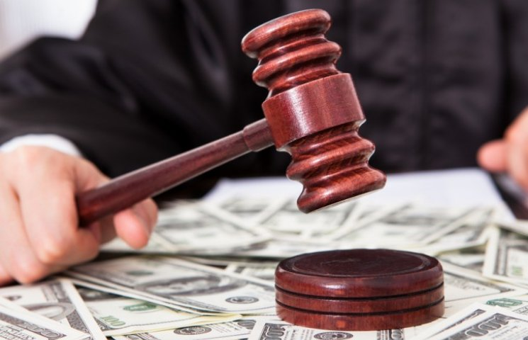 Покусанный житель Нью-Йорка требует через суд два ундециллиона долларов