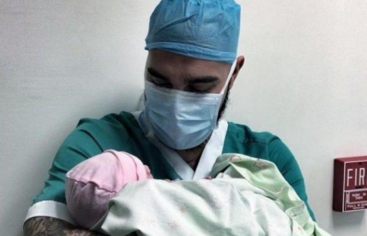 Дочь Тимати снялась в своей первой фотосессии