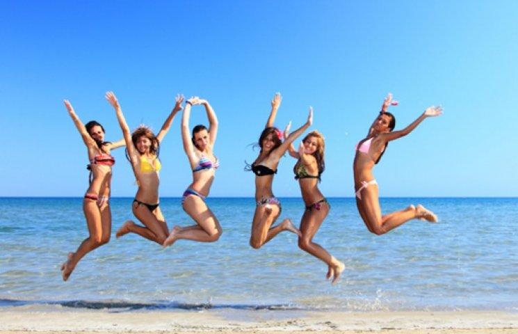 Какой купальник выбрать: гид по модным фасонам