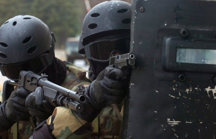 Венгерский спецназ готовит спецоперацию против террористов в Украине