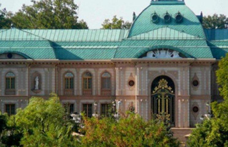 Террористы будут «охранять» особняк Ахметова