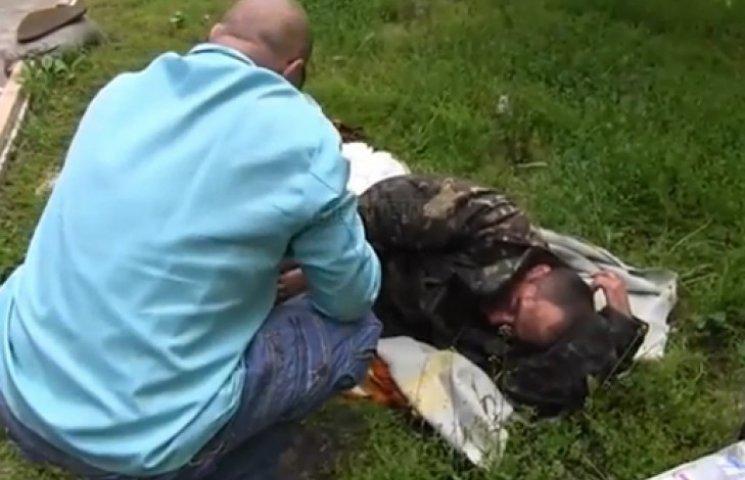 Сепаратисты передали «скорой» украинского пилота с перебитым бедром