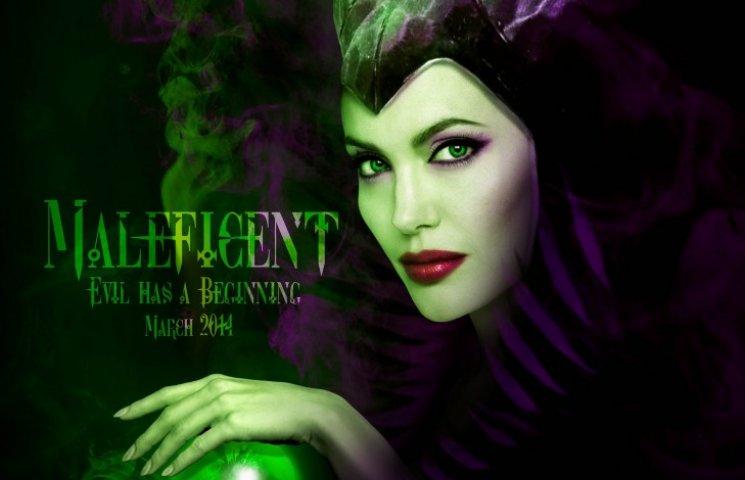 Анджелина Джоли: мечты о похоронной карьере и «братские» поцелуи взасос