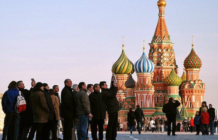 Туристы игнорируют Россию из-за ее агрессии в Украине