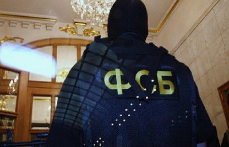 В крымских мечетях подслушивают ФСБшники, а отели забиты чиновниками