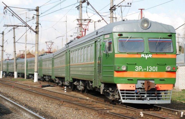 Вслед за поездами на Донбассе перекрыто движение электричек