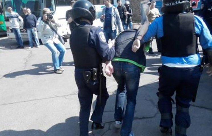 Комуністичний шабаш: близько 20 затриманих і Симоненко у кефірі (ФОТО, ВІДЕО)