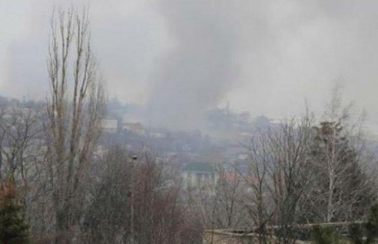 """Комбат Соболь розказав, як під Маріуполем бойовики """"ДНР"""" використовують тактику випаленої землі (ВІДЕО)"""