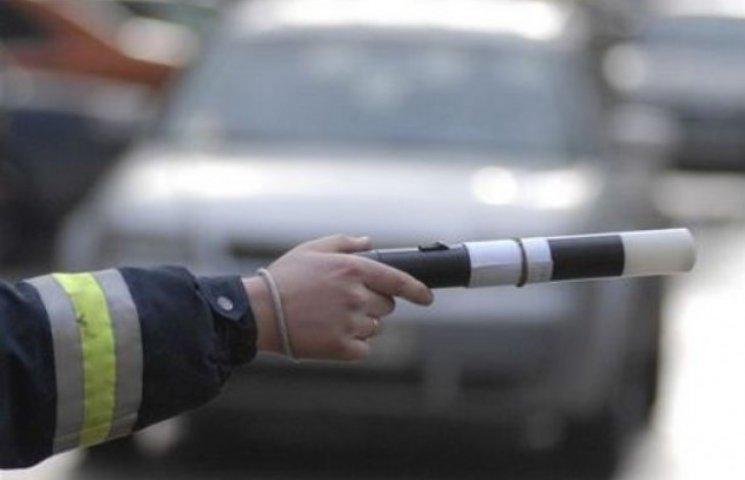 На Закарпатті ДАІшники у спілкуванні з водіями слів не добирають (ВІДЕО)
