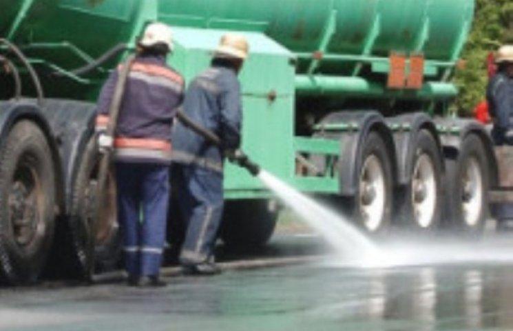 Біля Мукачева під час руху загорівся бензовоз (ВІДЕО)
