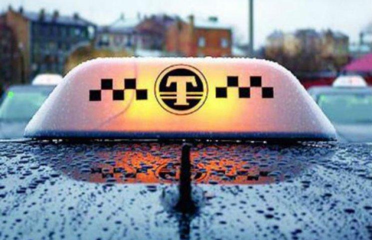 У Шостці таксист на робочому місці помер від інфаркту