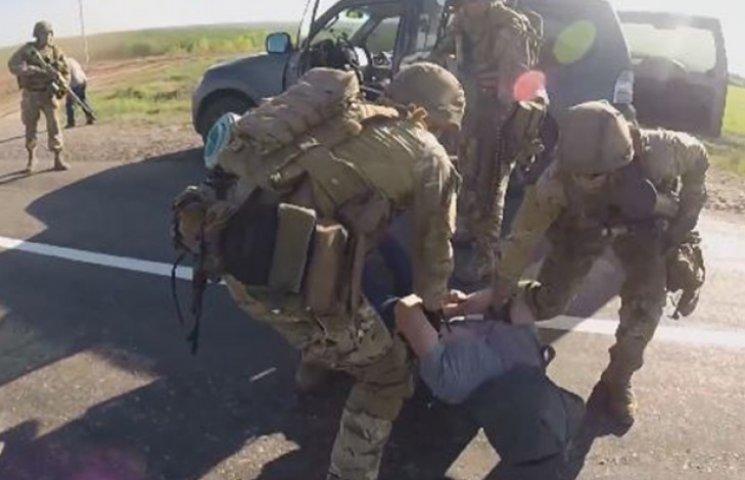 Як українські спецпризначенці розправляються з ворожими диверсантами в зоні АТО (ВІДЕО)