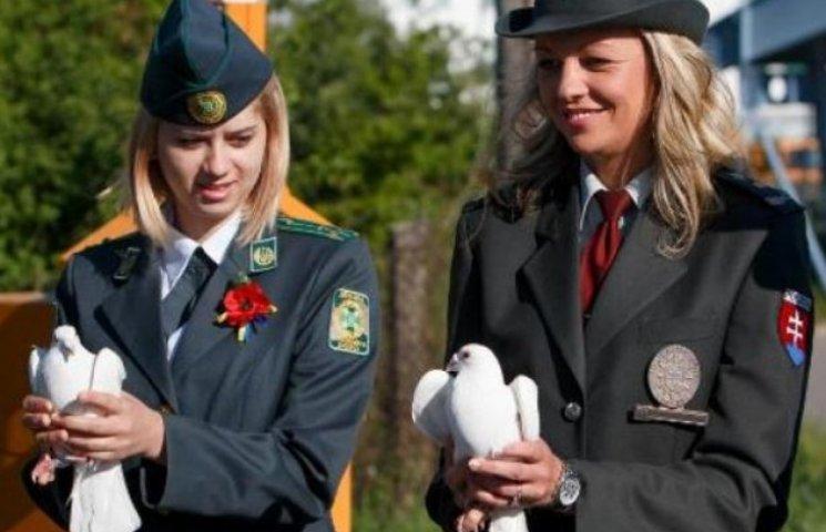 Прикордонники західних рубежів провели символічну акцію до Дня пам'яті і примирення (ФОТО, ВІДЕО)