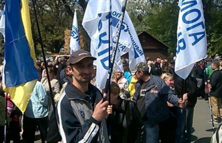 """Чому гречка з тушонкою підсилюють у """"опозиційних"""" мітингувальників тваринний інстинкт"""
