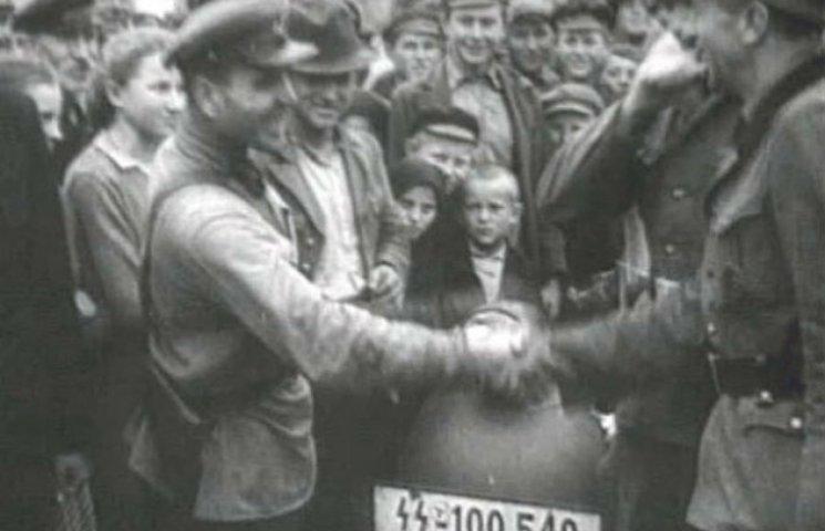 """У Сєвєродонецьку історик розповіла про міфологічність терміну """"Велика вітчизняна війна"""" (ВІДЕО)"""