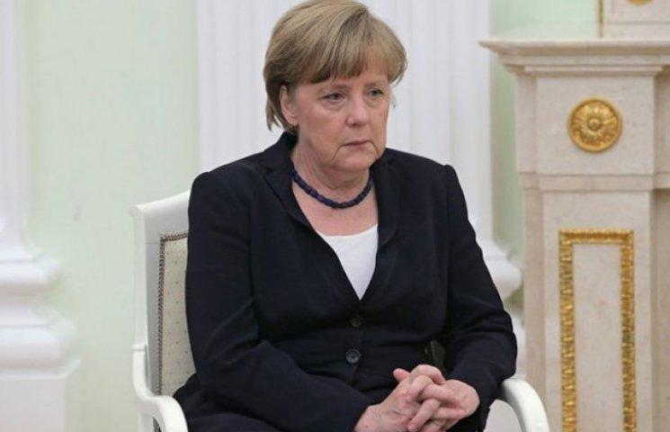 Меркель віддає Путіна на поталу українцям