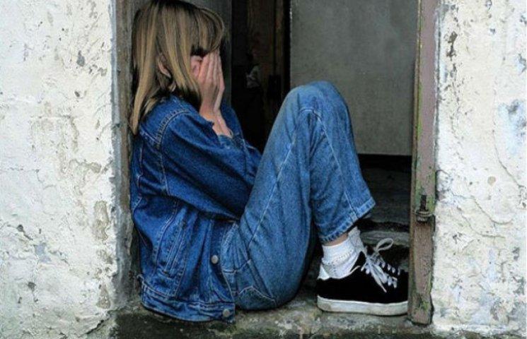 Жителя Сумщини звинувачують у розбещенні малолітньої