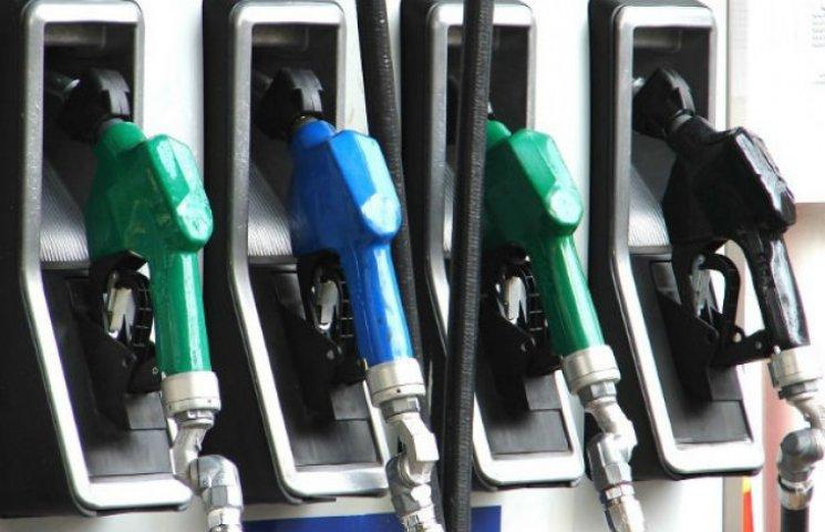 Після травневих свят в Києві дорожчає бензин