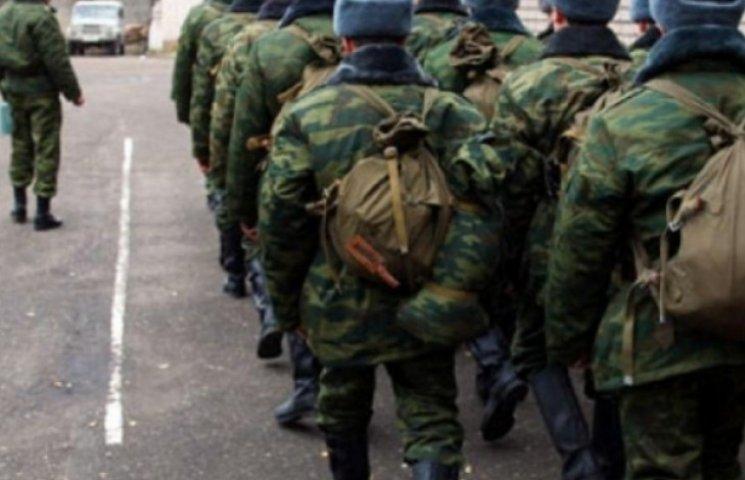 Закарпатський військком вважає, що вручати повістки на кордоні - законно