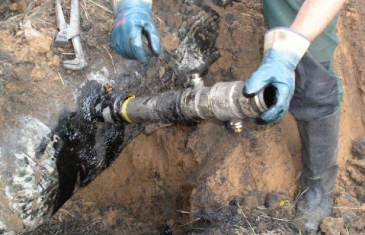 """На Ужгородщині знайшли врізку в нафтопровід """"Дружба"""""""