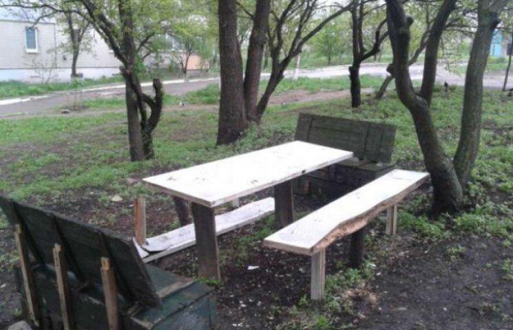 Луганчани вигадали, як використовувати ящики від набоїв у мирному житті (ФОТОФАКТ)