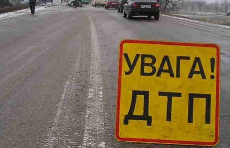 На Вінниччині рейсовий автобус зробив подвійне сальто: десятки постраждалих (ФОТО)
