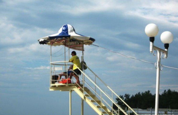 На столичних пляжах встановлять оглядові вишки з рятувальниками