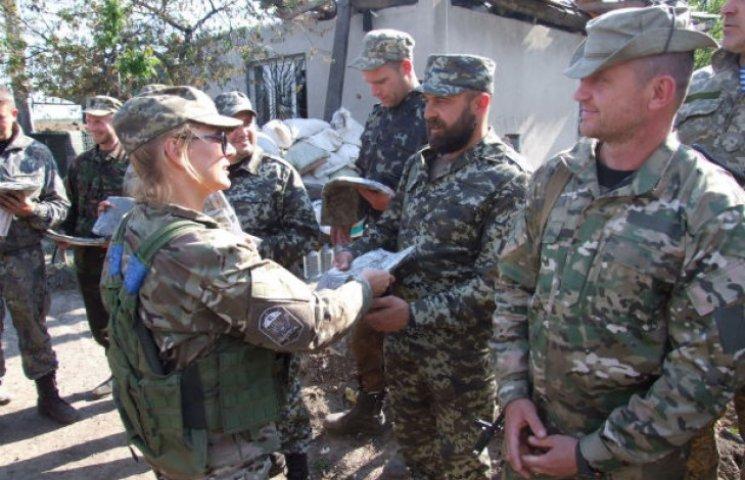 """Вишиванки на війні: Як """"кіборги"""" продовжують службу на позиціях під Донецьком"""
