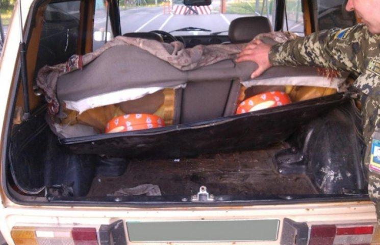 Сумські прикордонники залишили росіян без смачного українського сиру (ФОТОФАКТ)