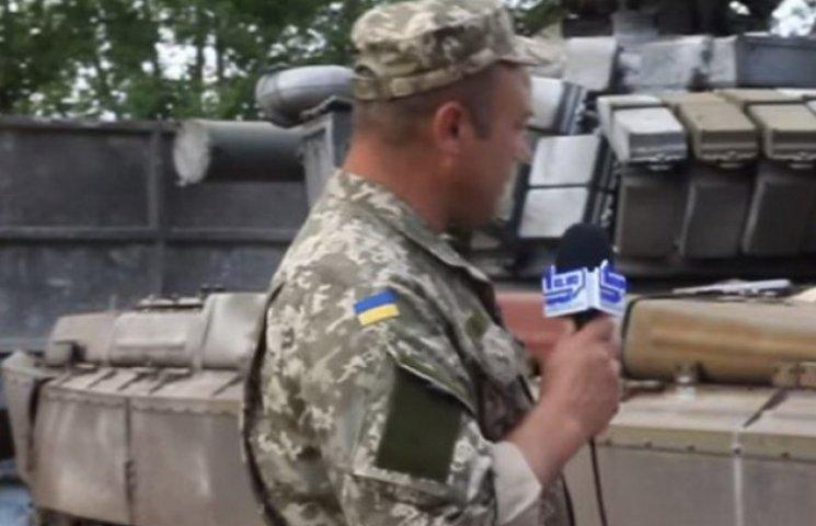 """Криворізькі волонтери відновили """"віджатий"""" в бою у сепаратистів танк (ВІДЕО)"""