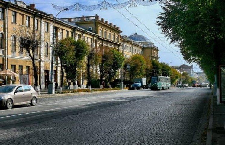 Центральна вулиця Вінниці перетвориться на бігову доріжку