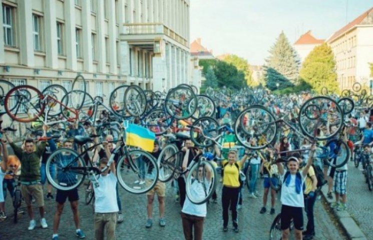 """Під час ужгородського """"Night ride"""" велопарковки охоронятимуть"""