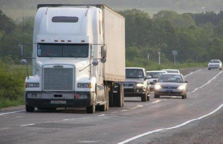 Через спеку на дорогах області вводять обмеження