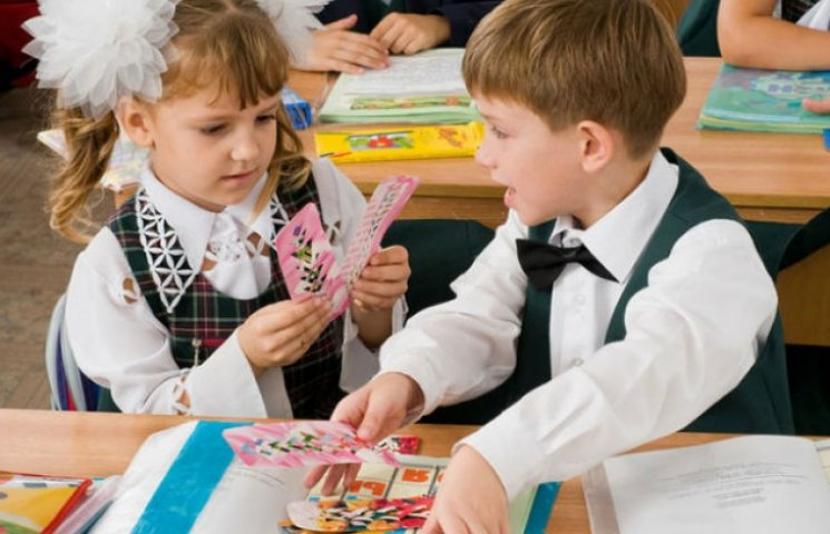 У Києві майбутніх першокласників не хочуть записувати до школи