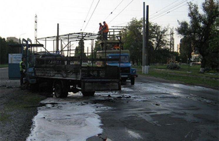 В результаті ДТП у Сумах водій згорів у салоні автомобіля (ФОТОФАКТ)
