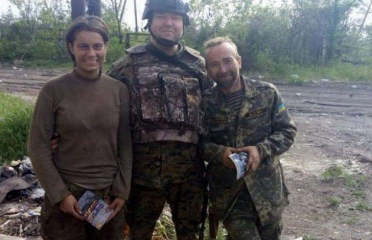У Дніпропетровську рятують молоду медсестру, яка в АТО втратила ноги і око (ФОТО)