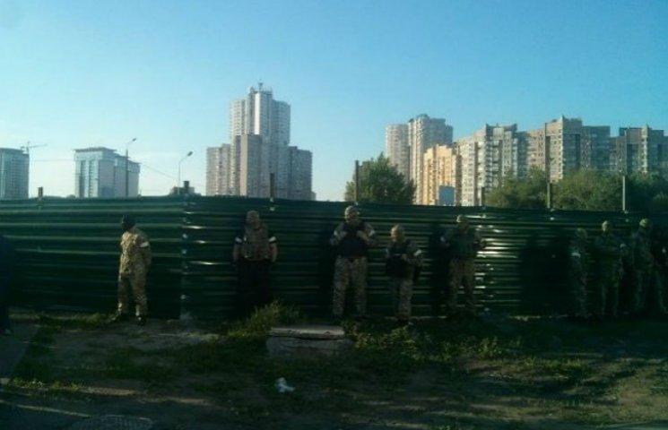 Київрада забрала земельну ділянку у скандального забудовника з Осокорків
