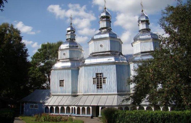 На Вінниччині 300-літню пам'ятку архітектури точить шашіль