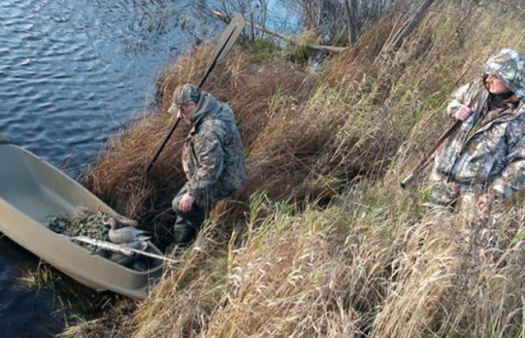 У Запорізькій області ловці раків у камуфляжі викликали справжній переполох