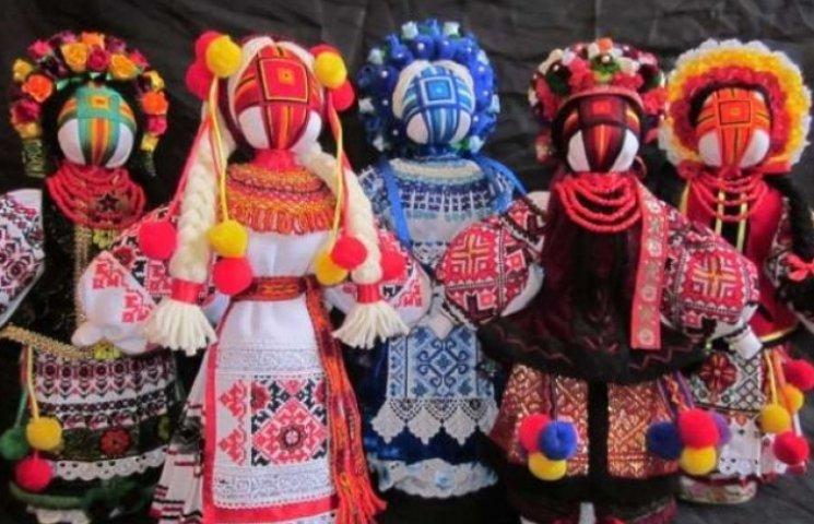 В Ужгороді дітей вчитимуть виготовляти ляльки-мотанки