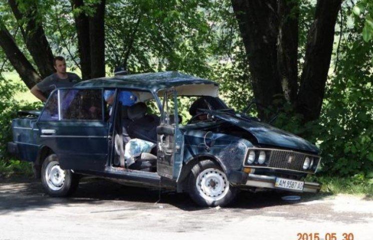 На Закарпатті у ДТП загинули військовослужбовець та його пасажирка (ФОТО)