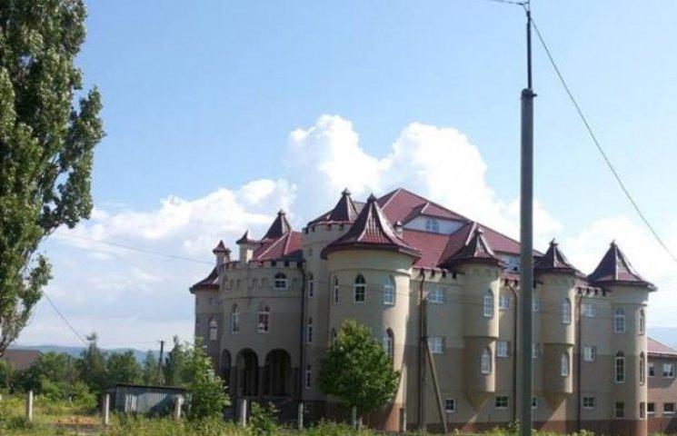 Батька української адмінреформи вразили будинки та теплиці закарпатців (ФОТО)