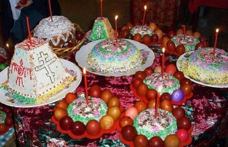 В усіх православних храмах світу відправляються урочисті Великодні богослужіння