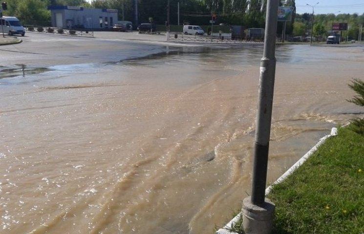 """На Великдень у Вінниці декілька вулиць перетворились на """"Венецію"""""""