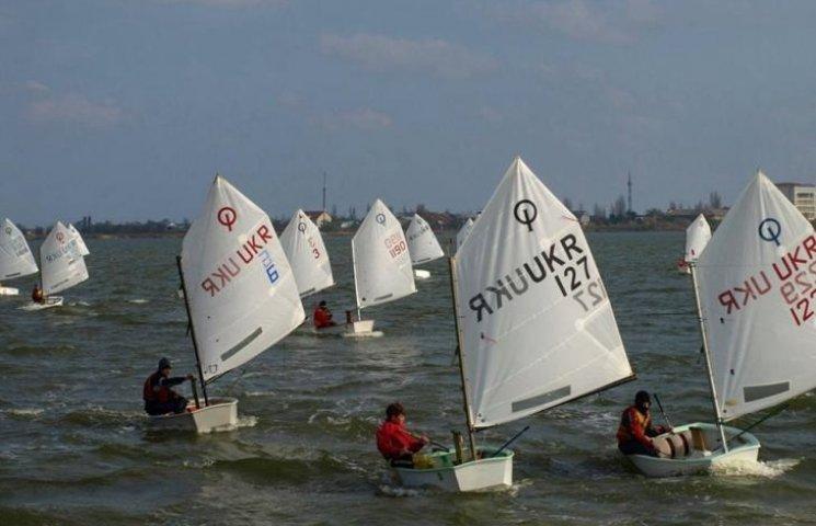 У Миколаєві стартують вітрильні змагання